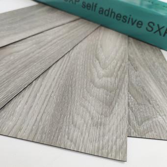 Самоклеящаяся виниловая плитка серое дерево, цена за 1м2